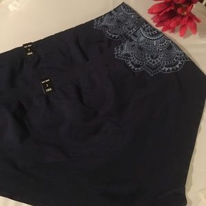 2 pairs Nwt Torrid size 3 sexy briefs panties